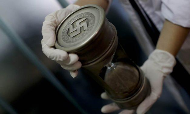 Nazis, Fascinating Forever
